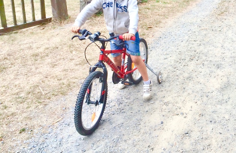 apprendre a faire du vélo a un enfant autiste