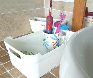 boite personnalisée et dentifrice sans gout